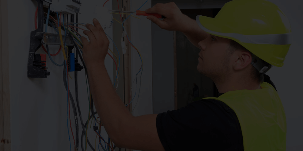 Electrician Green Shirts Dubai